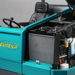 BULL 200 pramoninė mašina šlavimui